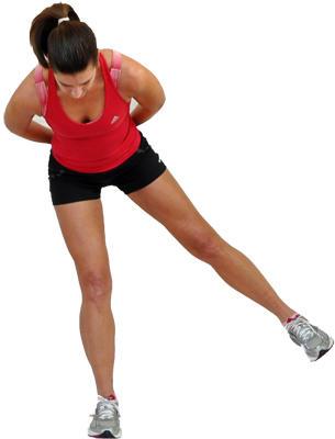 3. Стоя прямо, без дополнительной опоры выполняйте махи ногами. Мышцы  должны находиться в постоянном напряжении, старайтесь ногой не касаться  пола, ... ec6752f369b