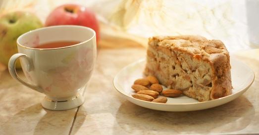 Быстрое приготовление шарлотки с яблоками