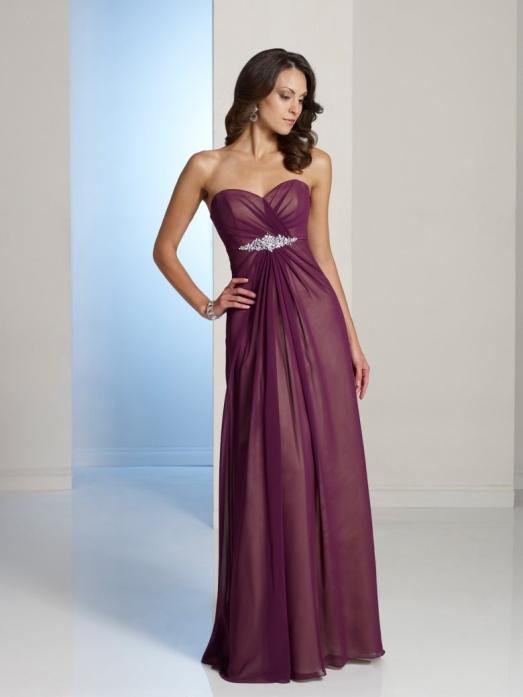 Сексуальными девушки в красивых вечерних платьях сосут онлайн