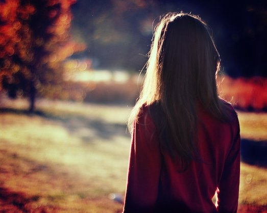 Фото девушек шатенок вид со спины — pic 2