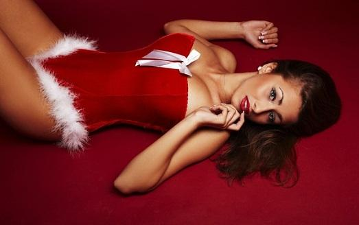 Новогодние фото сексуальных брюнеток — pic 14