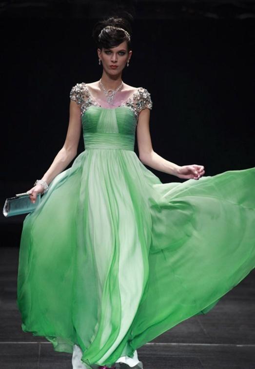 Зеленый шелк для платья
