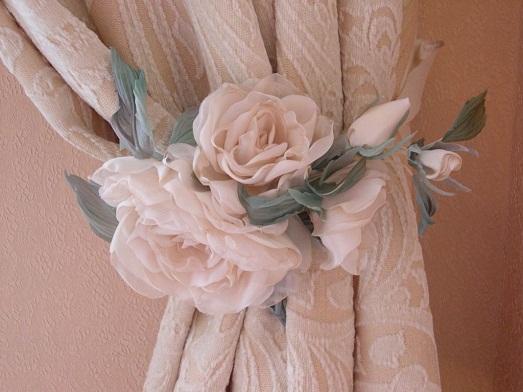 Как оригинально украсить шторы своими руками? (20 фото)