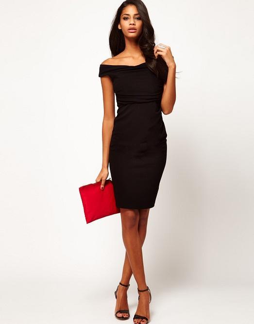 edceaa52b09 За счет его скромного фасона и цвета женщины могли носить всевозможные  аксессуары. Ведь бусы купить дешевле