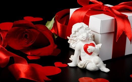 Что подарить любимой что подарить