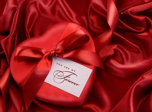 Что подарить любимой на День Святого Валентина?