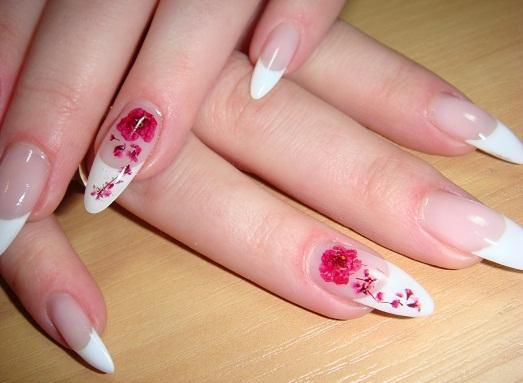 нежные рисунки на ногтях фото