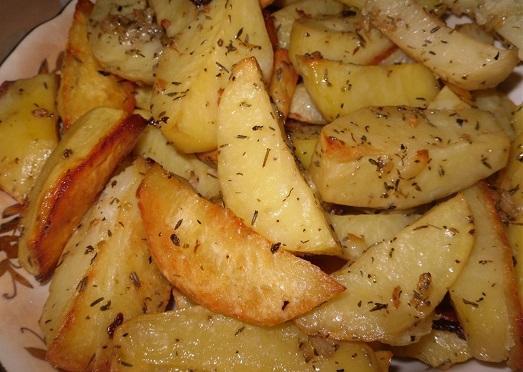 Картошка рецепт в духовке рецепт с фото пошагово