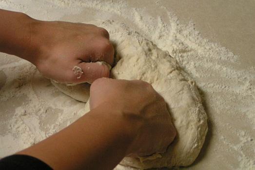 Как правильно вымешивать тесто