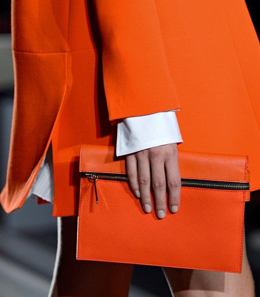 Clutch in tone with coat