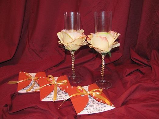 Украшение свадебных бокалов цветами фото