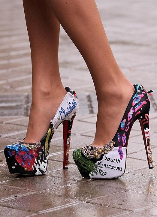 модные туфли яркой расцветки
