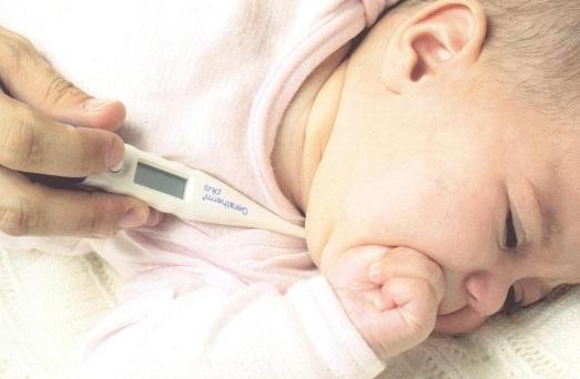 у малыша температура