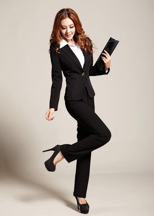 костюмы строгие для женщин фото