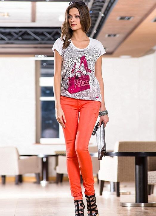 Майка и джинсы - это классика