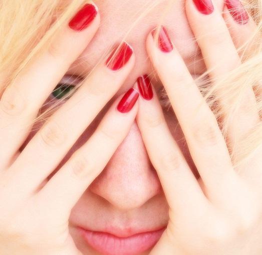 С проблемами кожи необходимо бороться