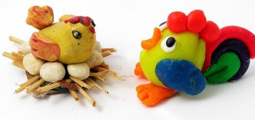 Курица и петух из пластилина
