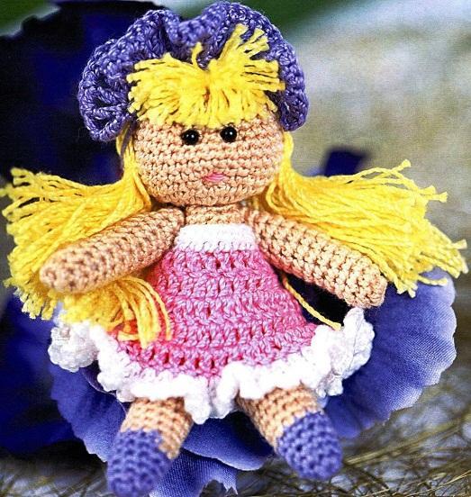 Вязанная красавица