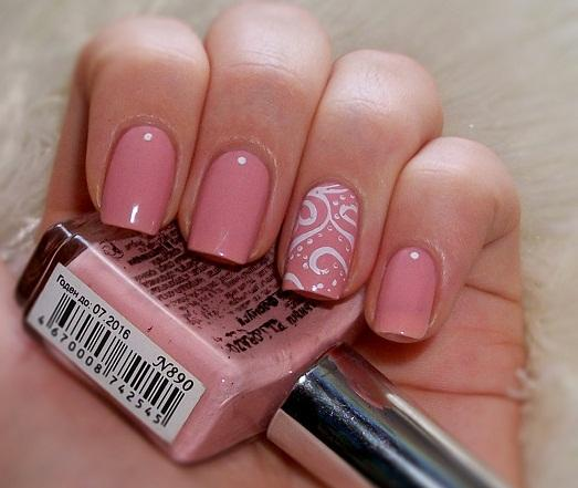 Новогодний дизайн ногтей с блёстками фото