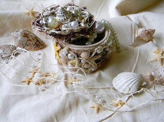 Милая шкатулка для украшений