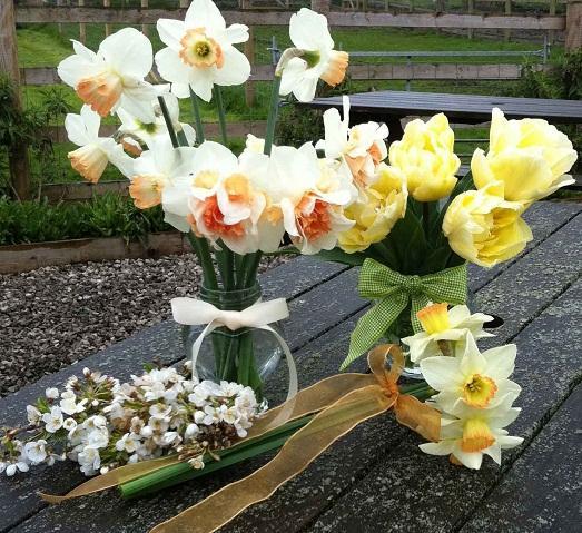 Живые цветы - шикарное украшение