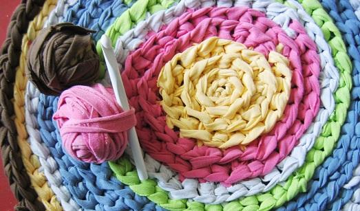 Как сделать коврик из лоскутков своими руками фото