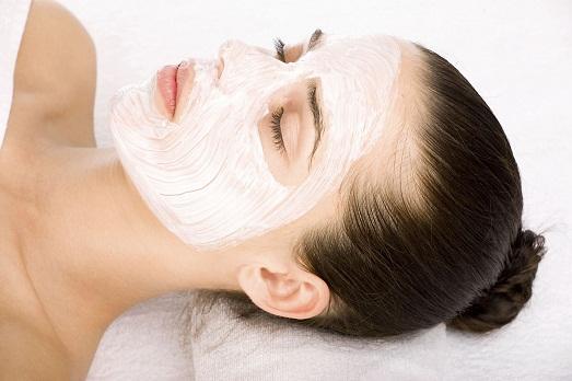 Глина хорошо очищает кожу
