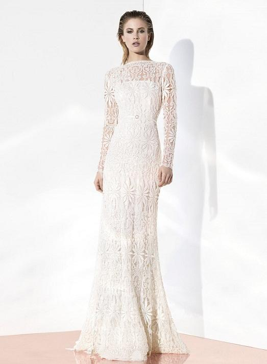 Lace and straight silhouette