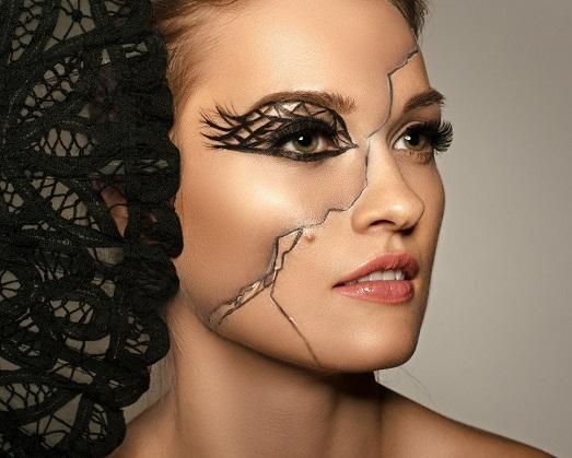 Осваиваем технику фантазийного макияжа (10 фото)