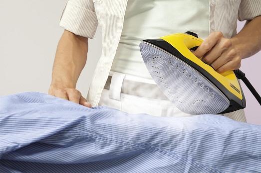 Что делать, если утюг оставил след на одежде?