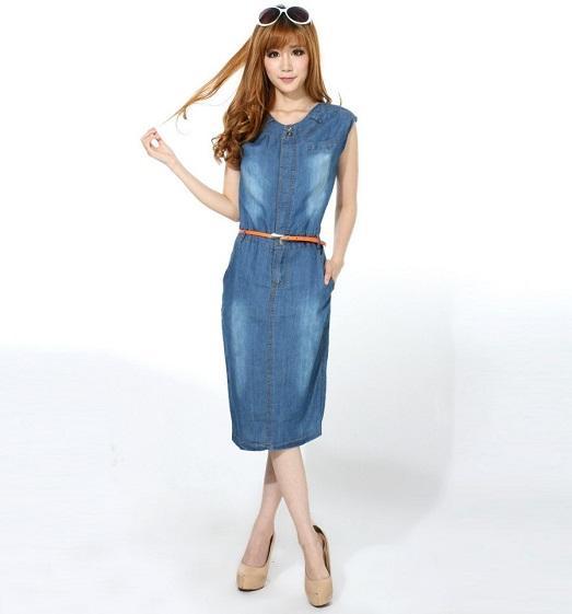 джинсовое платье: с чем носить такую
