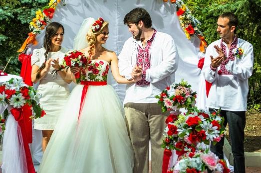 Как устроить свадьбу в украинском стиле?