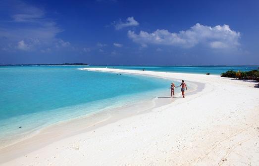 Пляж Сан Айленд на Мальдивах