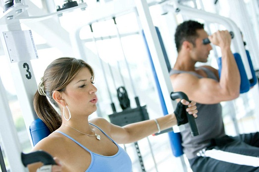 Тренировки в тренажёрном зале