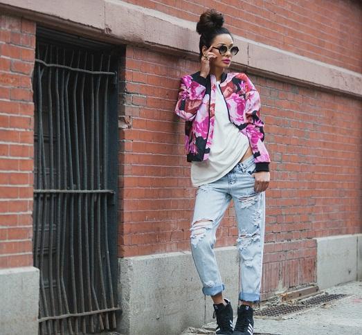 С чем носить стильную куртку бомбер? (15 фото)