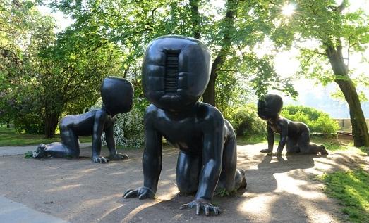 Скульптуры Давида Черны