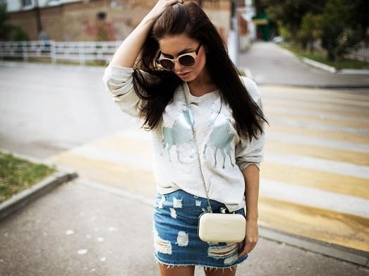 С чем носить модный свитшот? (15 фото)