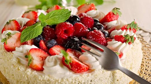 Яркий десерт