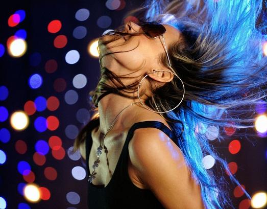 Как научиться классно танцевать в ночном клубе?