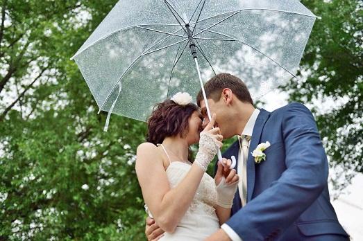 Что делать, если на свадьбу пошел дождь?