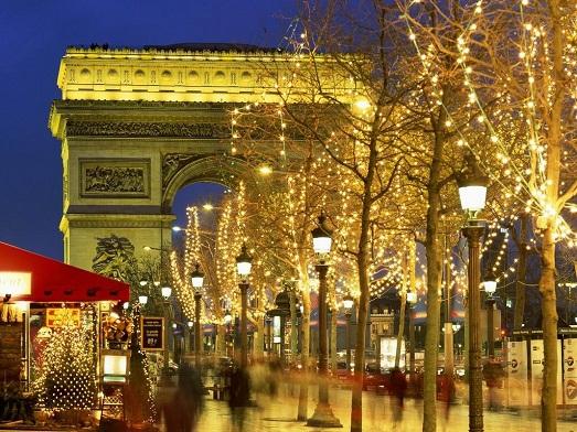 Романтичный и незабываемый Новый год в Париже