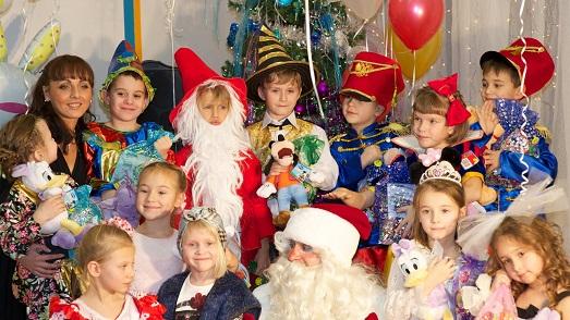 Как организовать новогодний праздник в школе?