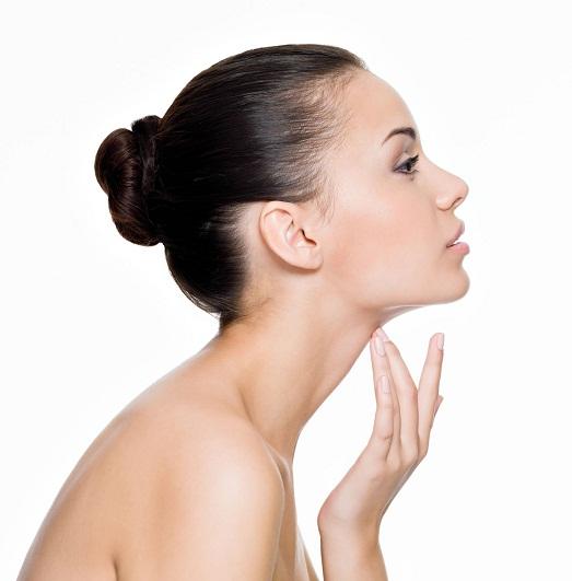 Каким образом избавиться от жира на лице?
