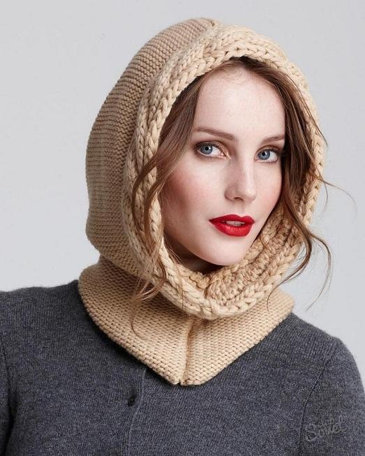 Связать скандинавскую шапку можно однотонной или с ярким зимним рисунком - снежинками, орнаментами и оленями