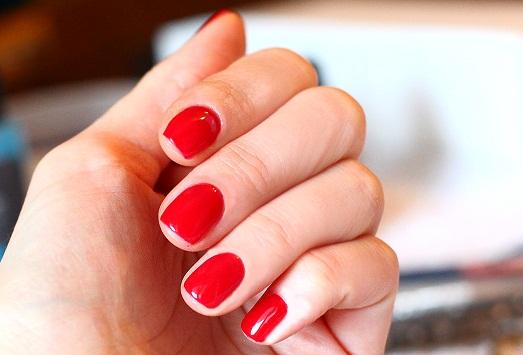 Что сделать, чтобы лак быстро не облез с ногтей?