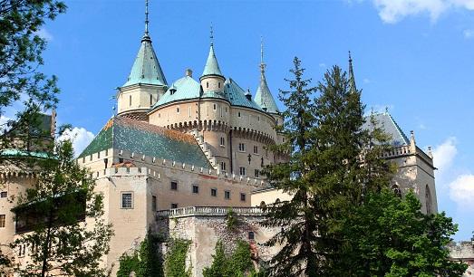 Много замков