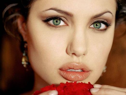 Топ 10 самых интересных фильмов Анджелины Джоли