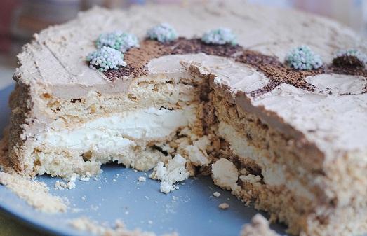 Как сделать шикарный киевский торт?