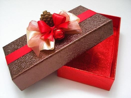 Как сделать коробку из подручных материалов?