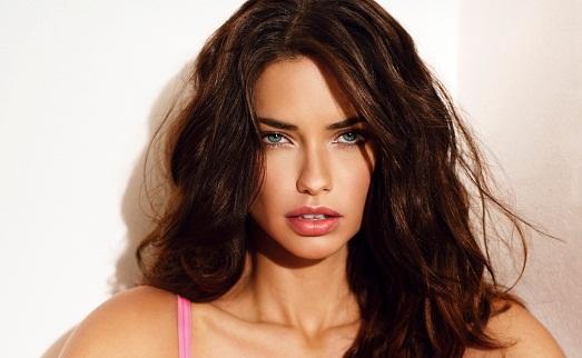10 самых симпатичных девушек в мире 2014 года (10 фото)